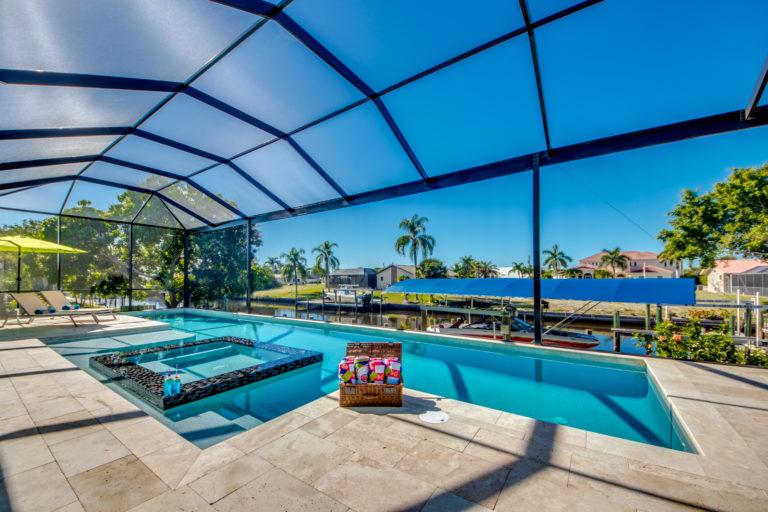 Indoor Pool Ferienhaus